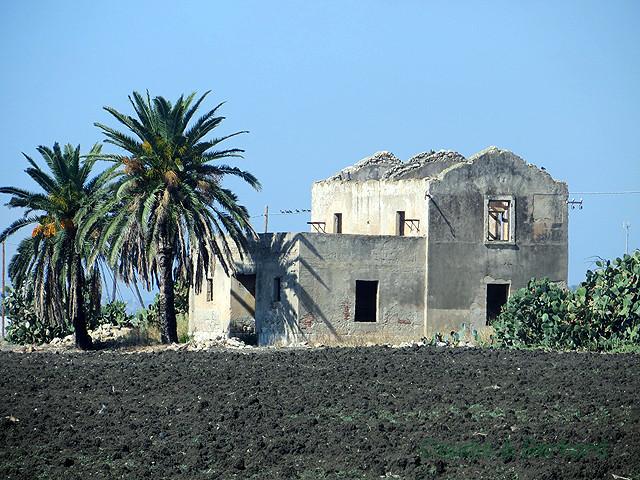 Und wieder ein altes Haus, sogar mit Palmen