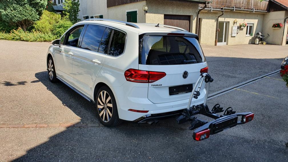VW TOURAN MIT ANHÄNGERKUPPLUNG