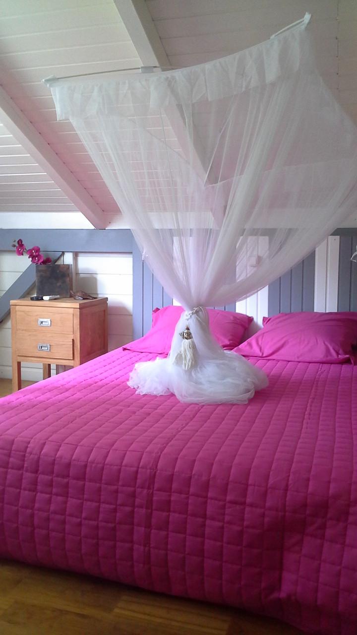 Chambre climatisée à l'étage