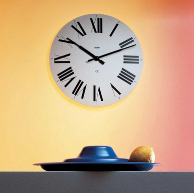 Orologi da parete moderni tante idee per arredare con for Parete da arredare