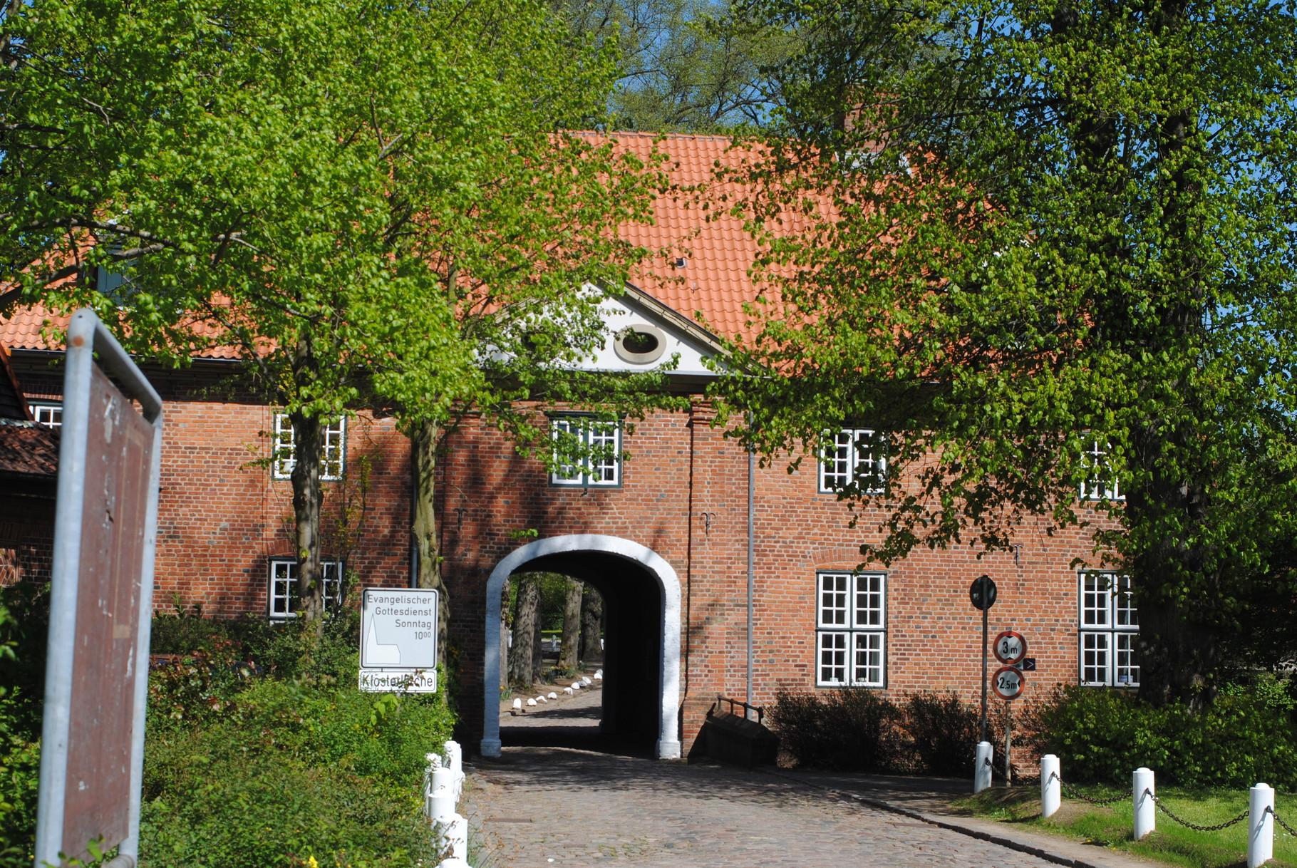 Toreinfahrt im Kloster Preetz