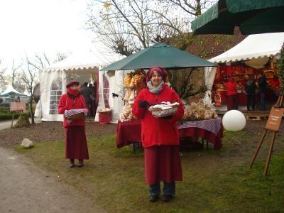 Weihnachtsmarkt am Wasserschloss Gödens