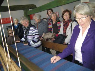 Heider LandFrauen im Tuch- und Technik-Textilmuseums