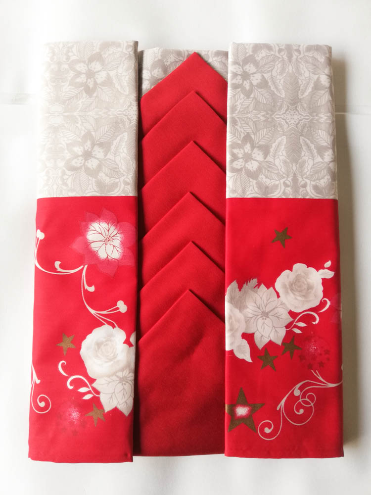 Tovaglia da tavola natalizia da 6 posti con tovaglioli 140x180 cm. B747