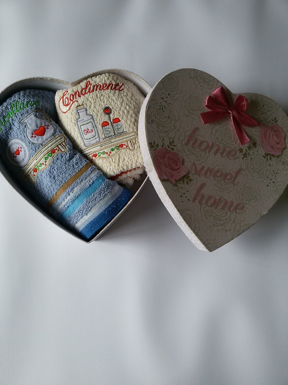Confezione idea regalo Natalizio con 2 strofinacci 50x70 cm Art.A 441