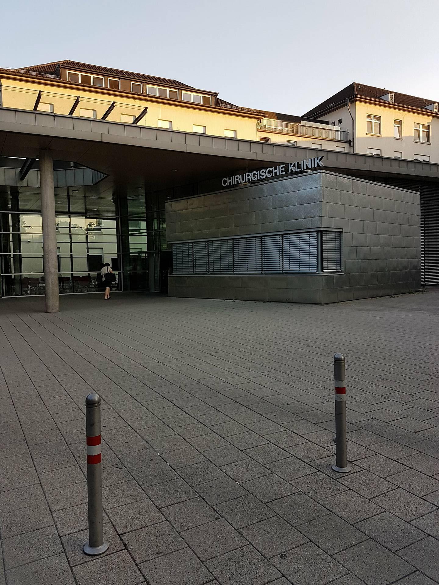 Alte Chirurgische Klinik Heidelberg wo zahlreiche Operationen an mir stattfanden.