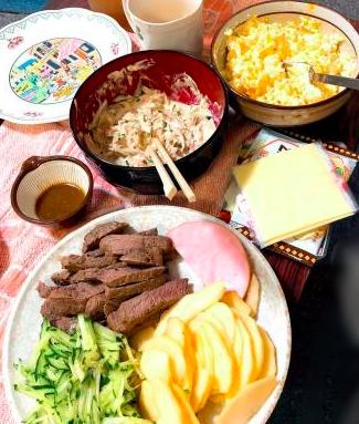 オススメは、ハムとスライスりんごのマヨネーズサンドイッチです(*^^*)