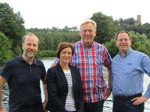 An der Ruhr (v. l. n. r.): Dr. Volker Steude (Stellv. Fraktionsvorsitzender), Susanne Mantesberg-Wieschemann (Ratsmitglied), Manfred Baldschus (Bezirksvertreter Bochum-Süd) und Felix Haltt (Fraktionsvorsitzender)