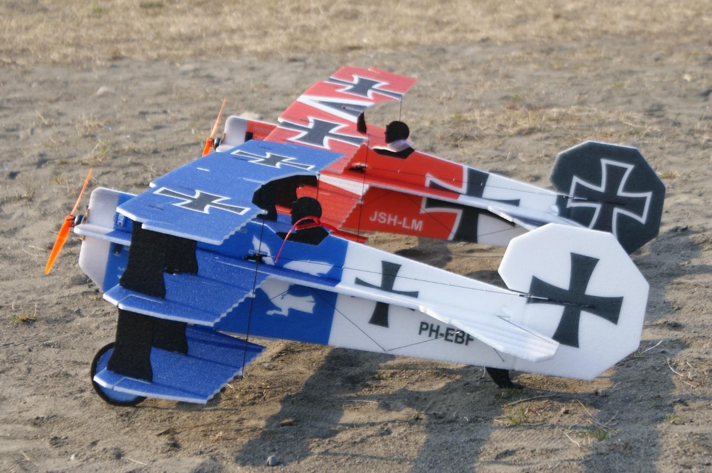 RC-Factory Crack Fokker Dr.1 Triplane  (Blue&Red Baron)