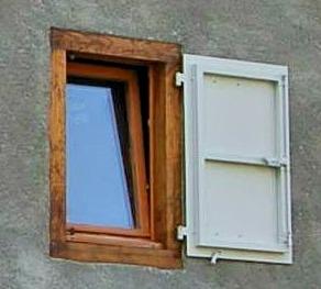 Fenêtre oscillo battante Châtaignier