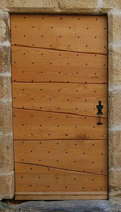 Porte d'entrée à lames pleines en Châtaignier, avec clous