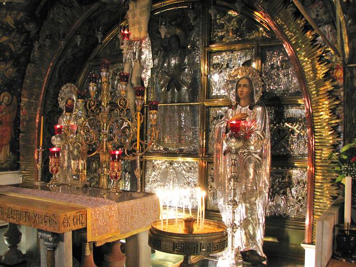 Die Kapelle auf dem Golgotha-Hügel ist bis heute ein Ort der Anbetung und Verehrung Christi, der alle Christen, unabhängig von ihrem Bekenntnis vereint.