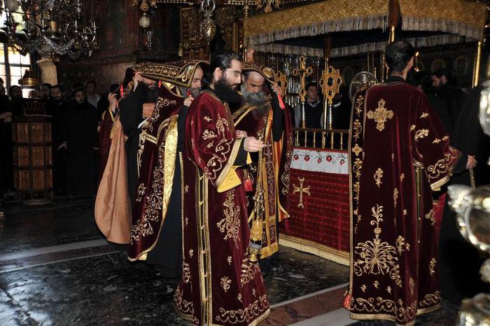 Prozession mit dem Epitaphios in Griechenland.