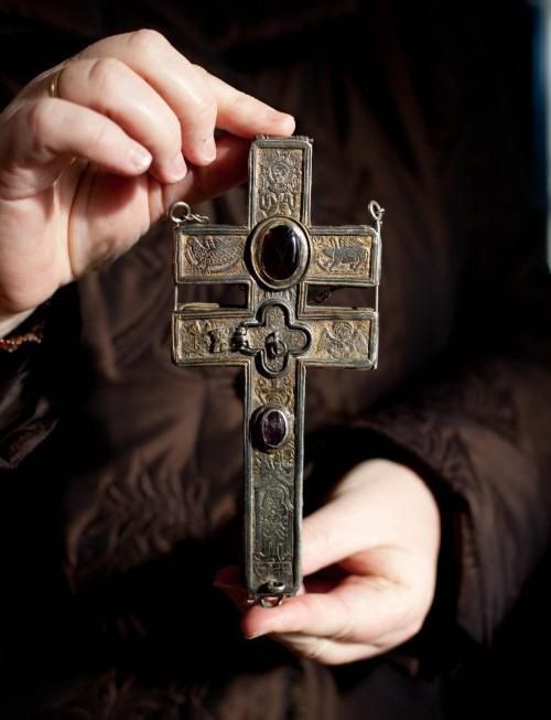 Das Heilig-Kreuz-Reliquiar aus der Zisterzienserabtei Holycross Ballycahill in Irland (Tipperary).
