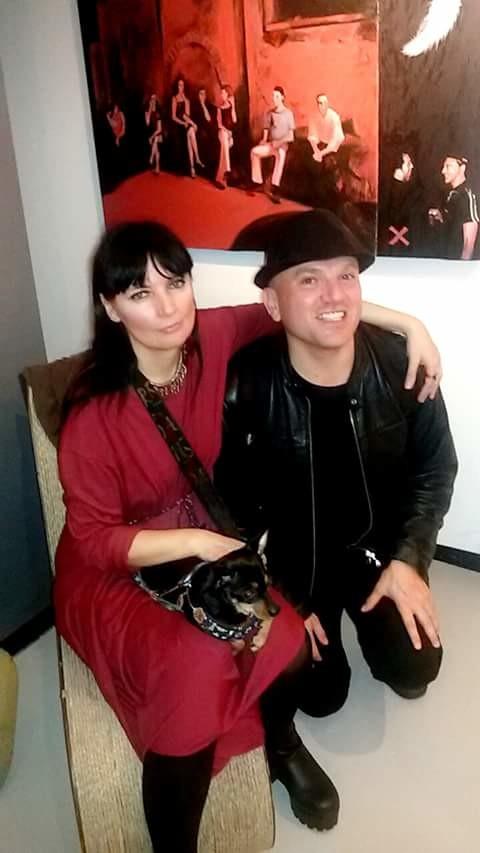con Scarlet Lovejoy