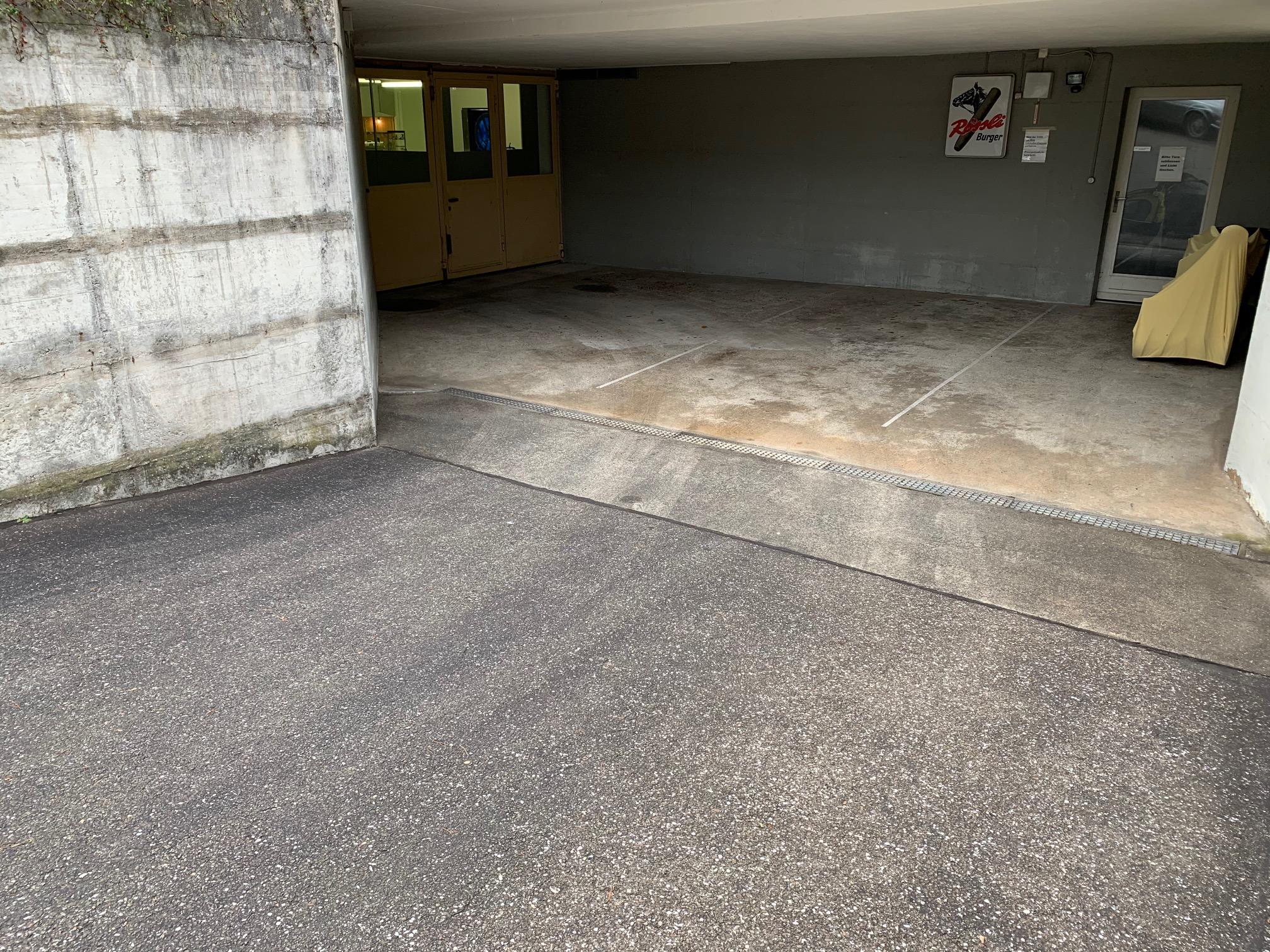 Eingang VW-Käfer-Bar
