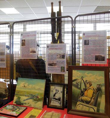 Vue des affiches d'exposition sur les parcours des Havrais dans la France Libre
