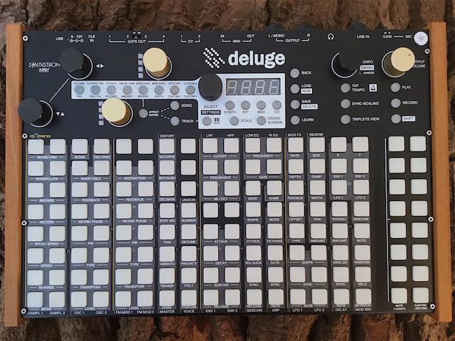 Xluge Pads, Instrument Overlay (Bedien-Schablone/Folie) - für Synthstrom Audible Deluge 3.0