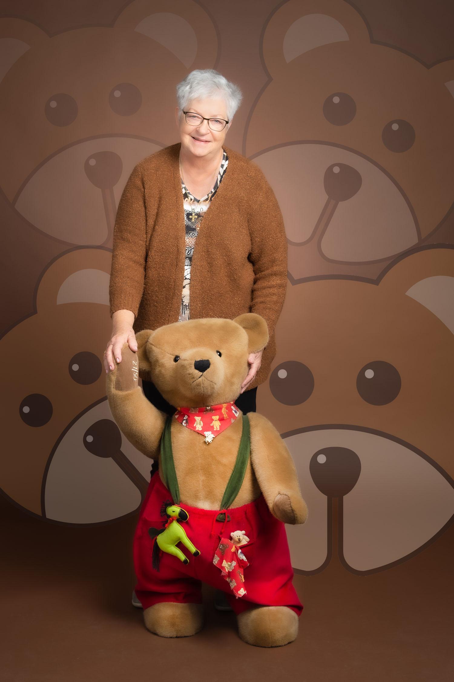 © Dr. Ursula Fellberg, Bruno ein Hermann Hirschaid Teddybär