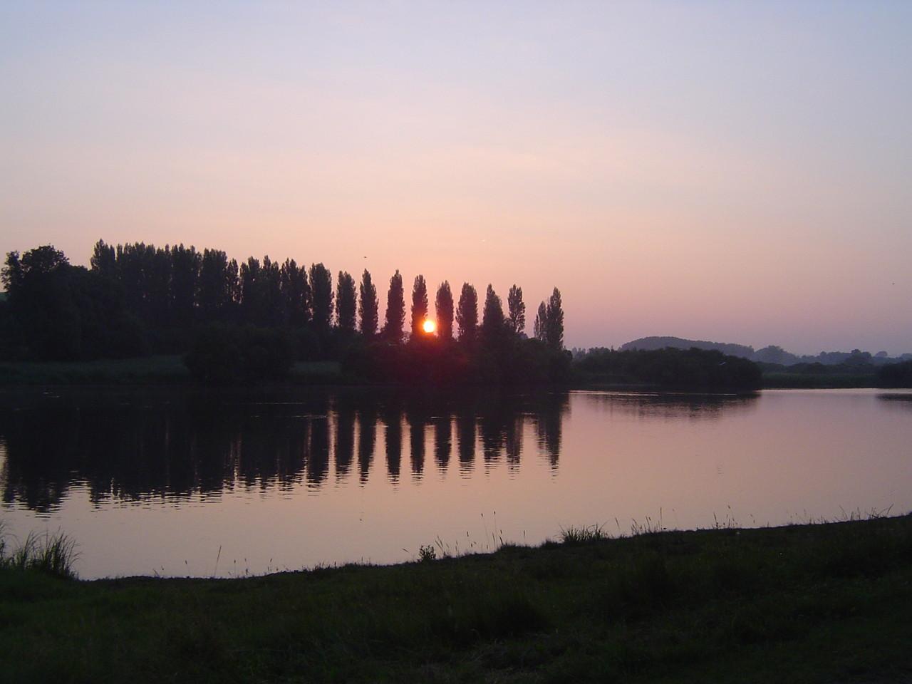 Le soleil se lève au Pont de l'Ouen ce dimanche