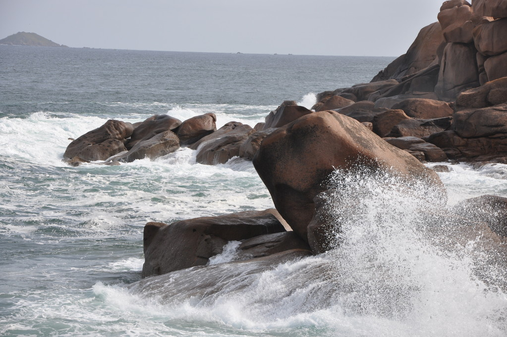 Quand le roc brise le flot