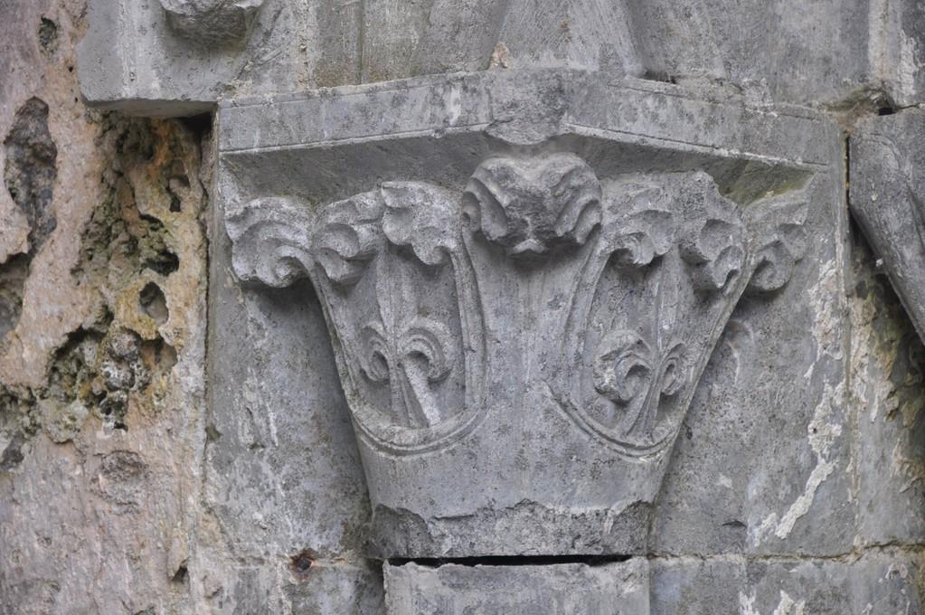 Chapiteau de colonne à Corcomroe Abbey