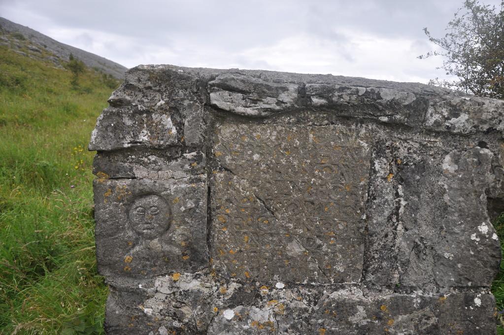Ancienne pierre gravée