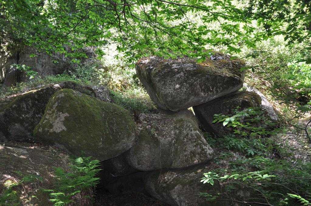 Chaos de rochers dans la vallée des Traouiéros