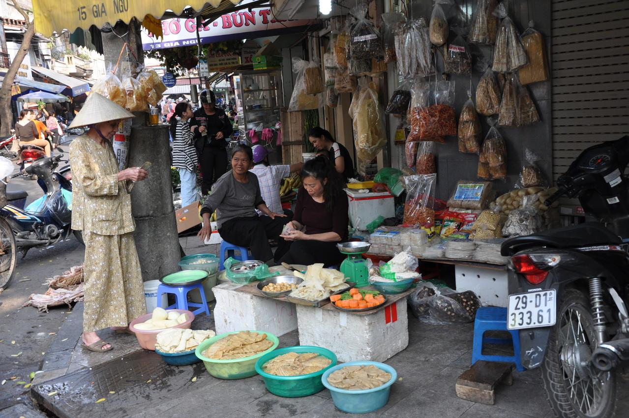 Hanoï : le marché est dans la rue