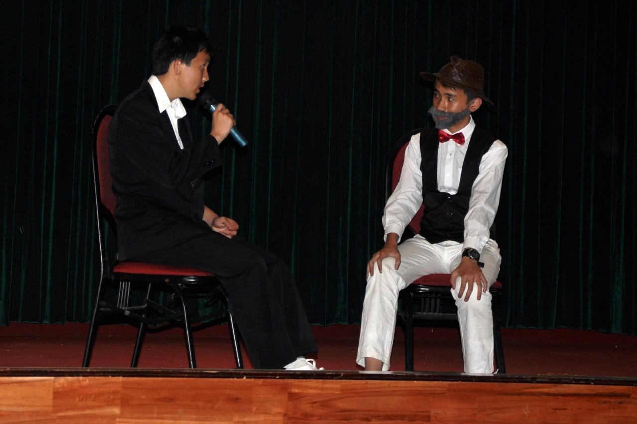 Dalat : pièce de théâtre donnée par les élèves du lycée francophone sur la vie de Yersin