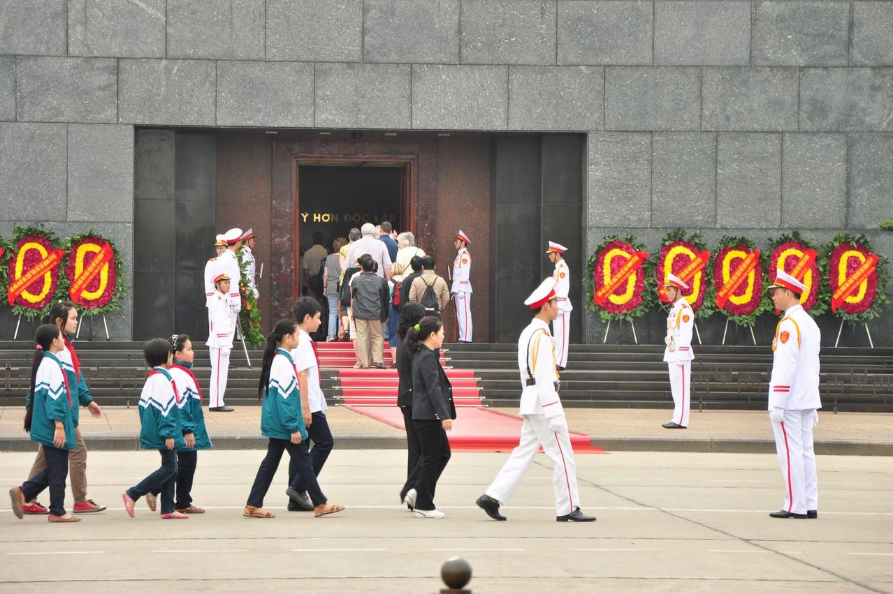 Hanoï : visite du mausolée de Ho Chi Minh