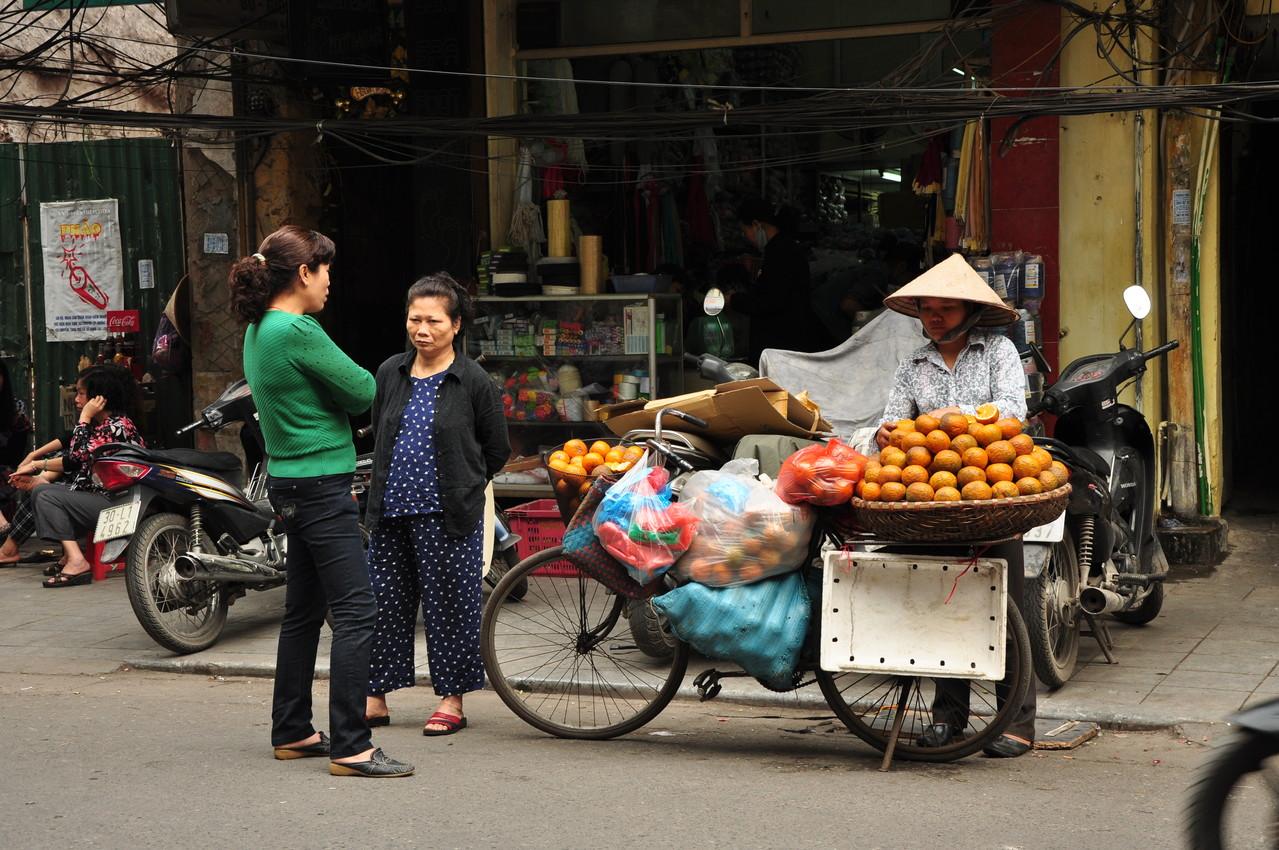 Hanoï : le marché est sur le trottoir