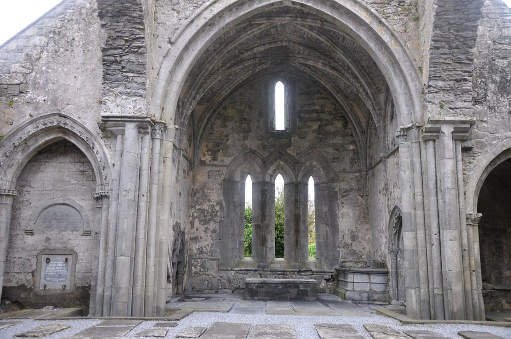 Corcomroe, monastère fondé par Donal Mor O'Brien, roi de Munster