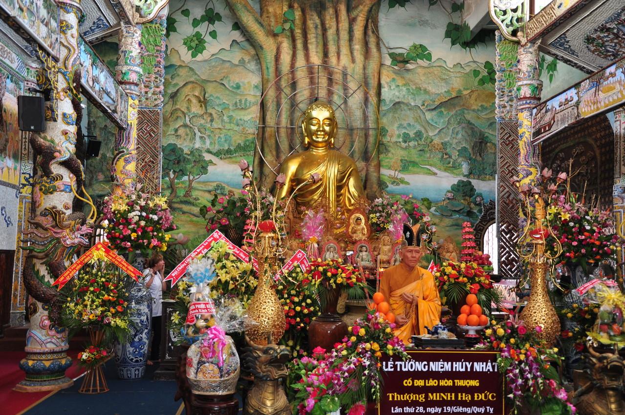 Trai Mat : dans la pagode Chua Linh Phuoc
