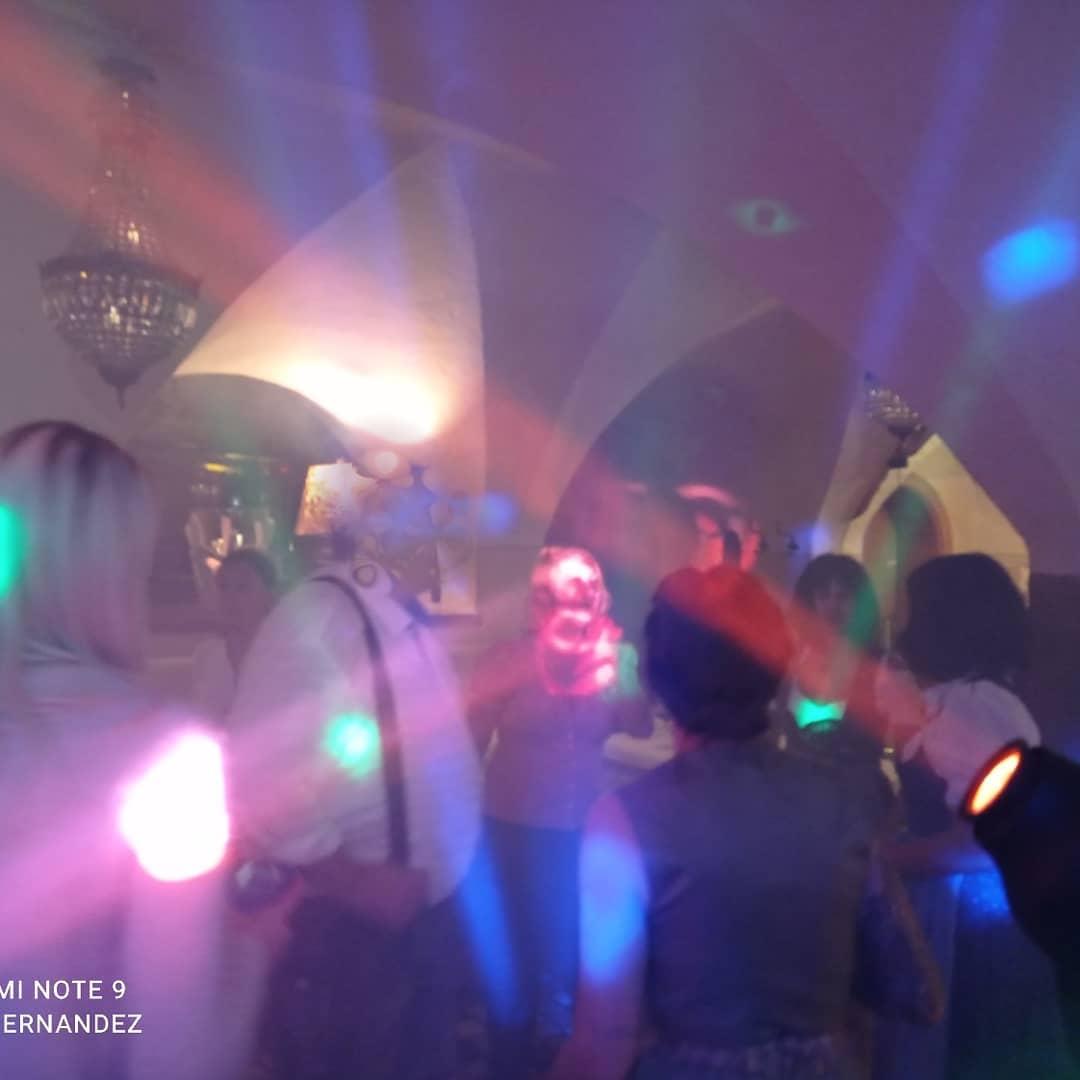 Eine gewaltige Hochzeitsparty im Gut Matzen
