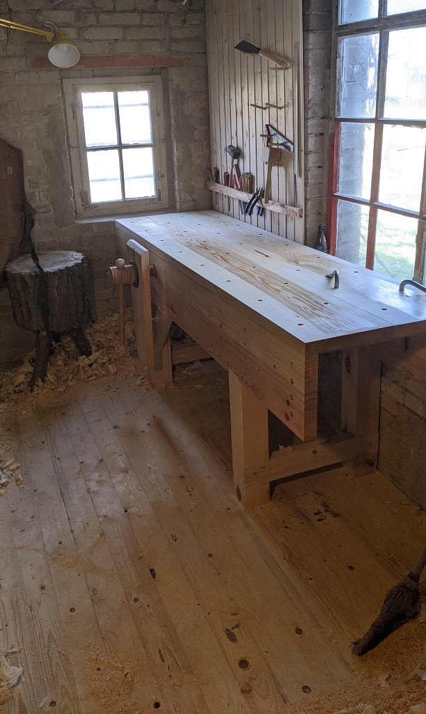 The English Workbench with wooden vice screw, interpretation by Philip
