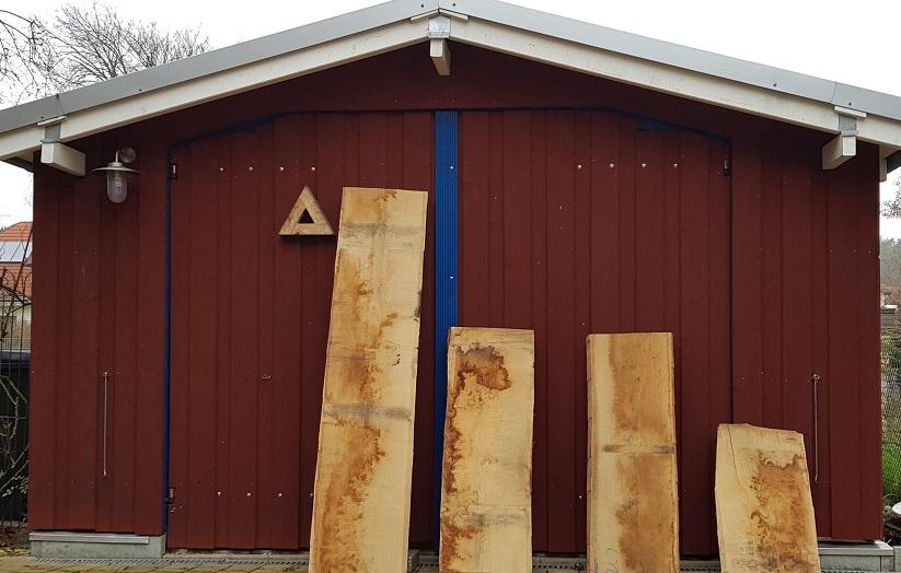 an oak slab 520 cm 65mm thicknes