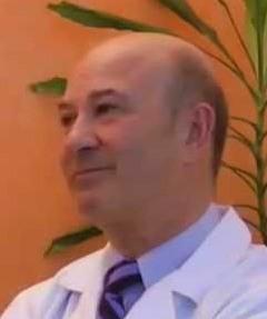 Alfredo Marino, Médico ortodoncista, Dtor. Master posturología Università di Bologna (Italia).