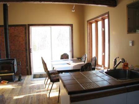 Salle à manger / Location de chalet et yourte, Bellechasse,  Location de chalet et yourteChaudière-Appalaches