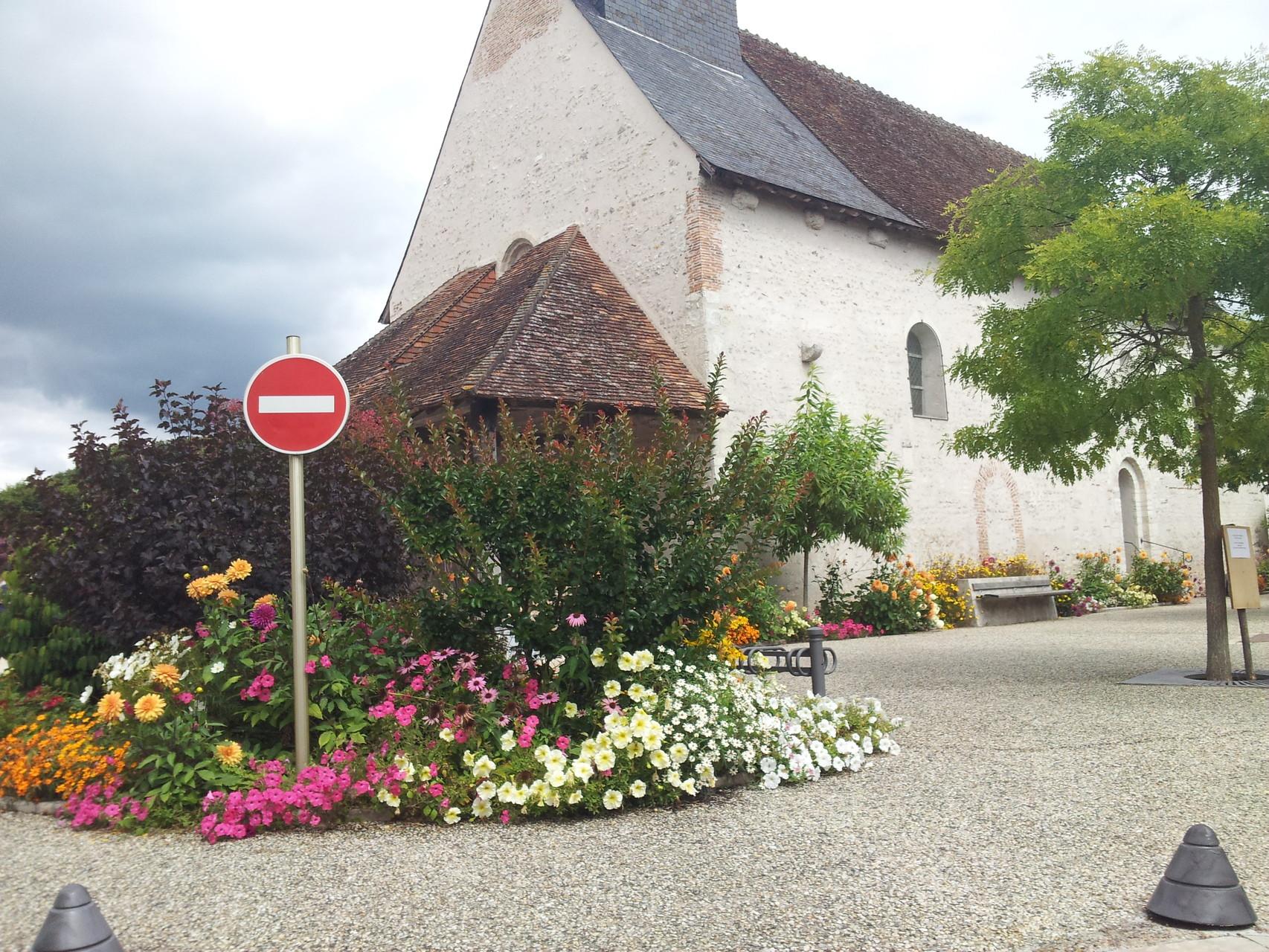 place saint Pierre fleurie