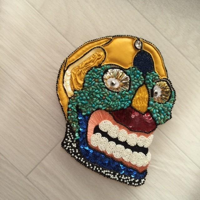 NIKI 彫刻の刺繍