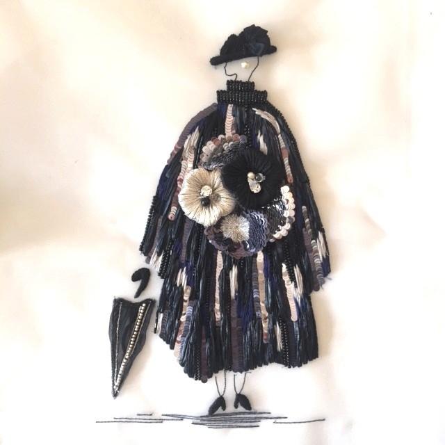 Level3 黒いコートのマダム