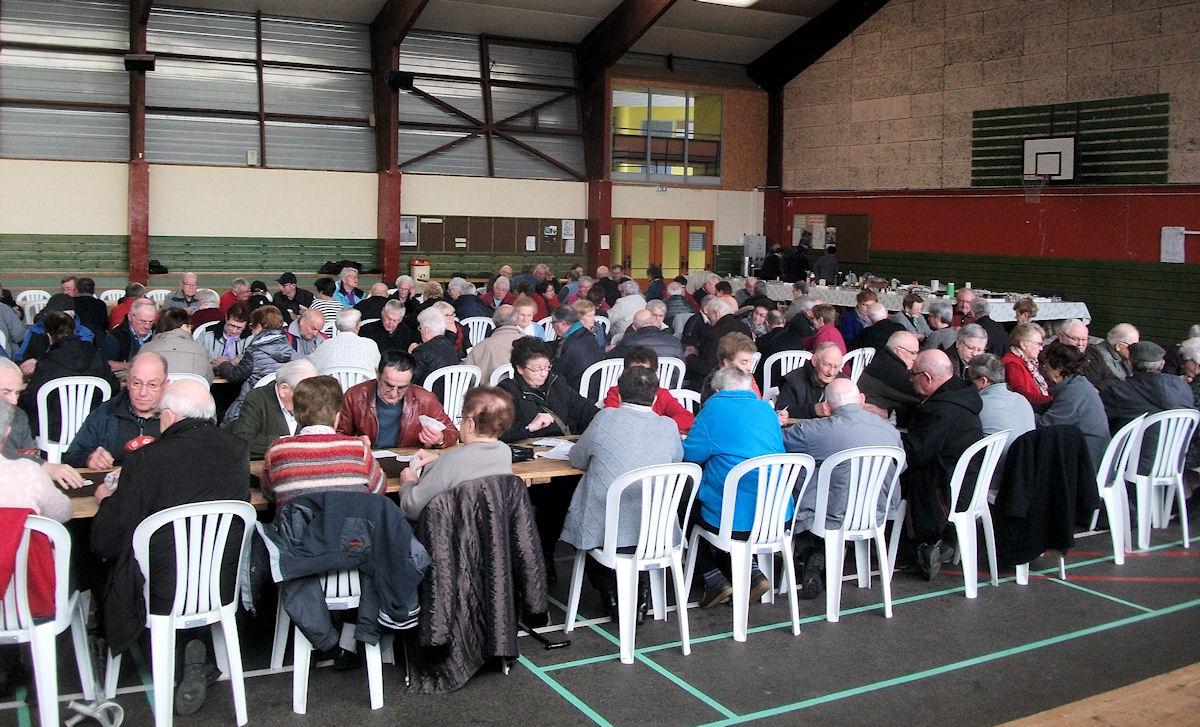Cent équipes inscrites pour notre concours de belote cantonal.