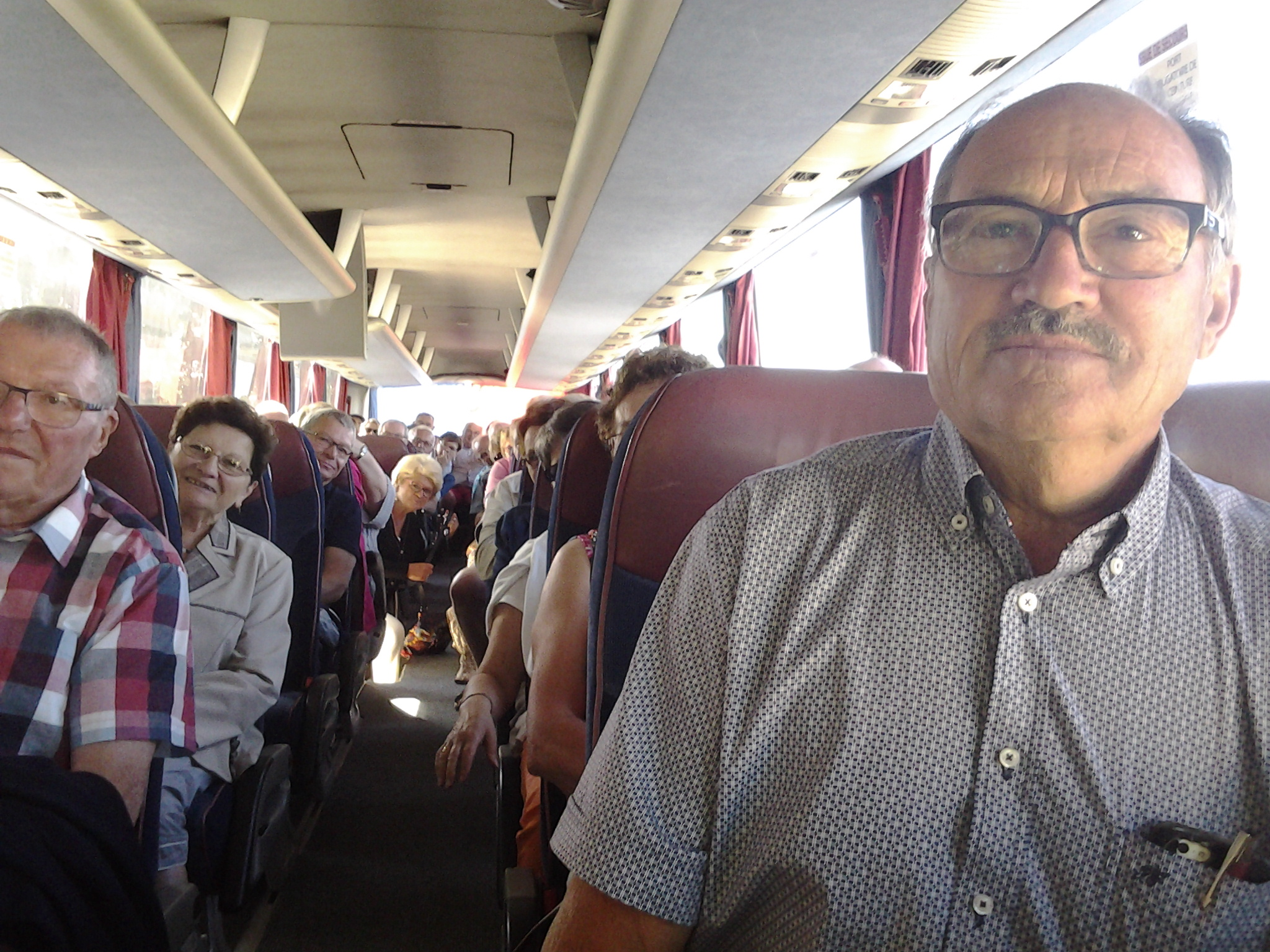 9h00 du matin à bord de l'autocar : direction Ker-Bristou
