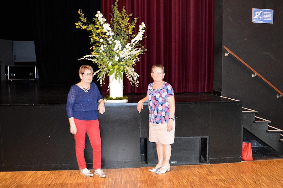 Merci à Madeleine Lamy et Yvette Chatelais pour la décoration florale