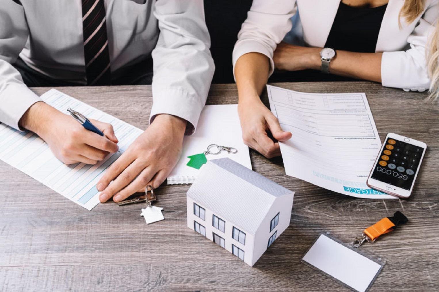 ¿Qué comisión cobran las agencias inmobiliarias en Monterrey?