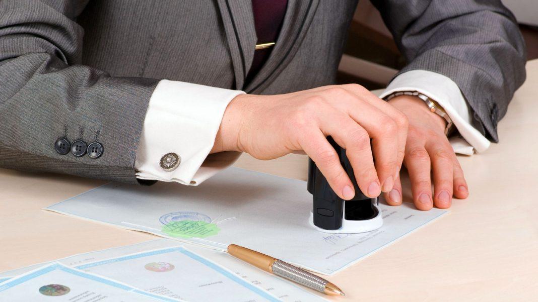 Función de un notario en la compra y venta de un inmueble