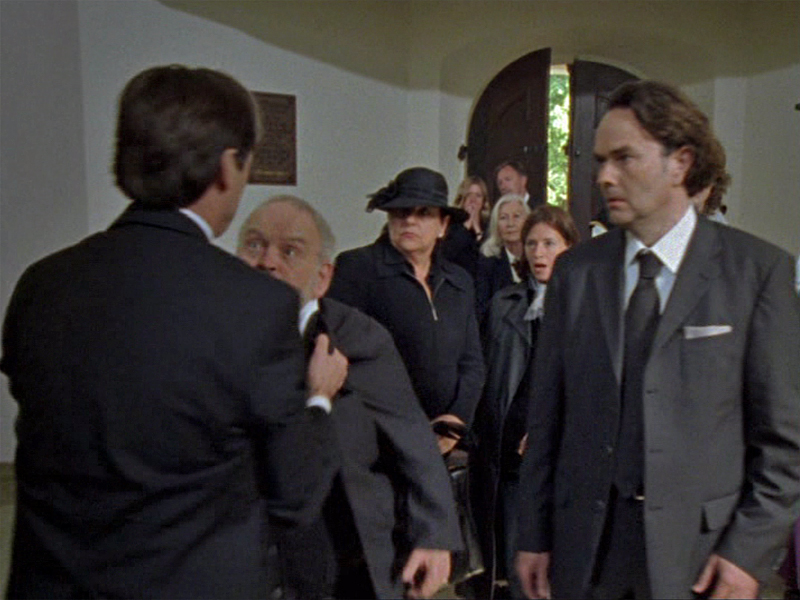 """Aus der Folge 56  """"Ein erstklassiges Begräbnis"""""""