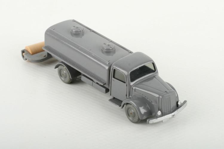Wiking Mercedes 5000 Sprengwagen basaltgrau - ZUSCHLAG Auktionshaus Wrede 600,– Euro