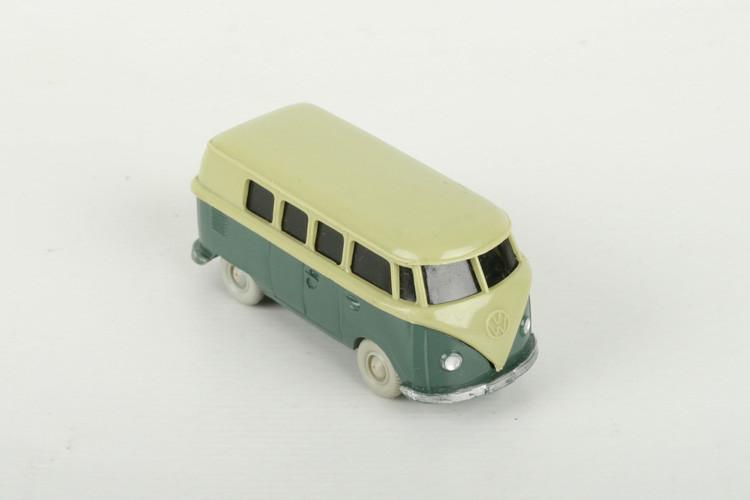 Wiking VW T1 Kombi lindgrün/graugrün - ZUSCHLAG Auktionshaus Wrede 3.000,– Euro